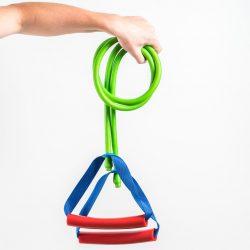 SPORT CORD ECONOMY Fitnessseilzug gehalten in der Hand. Bestehend ohne Zubehör