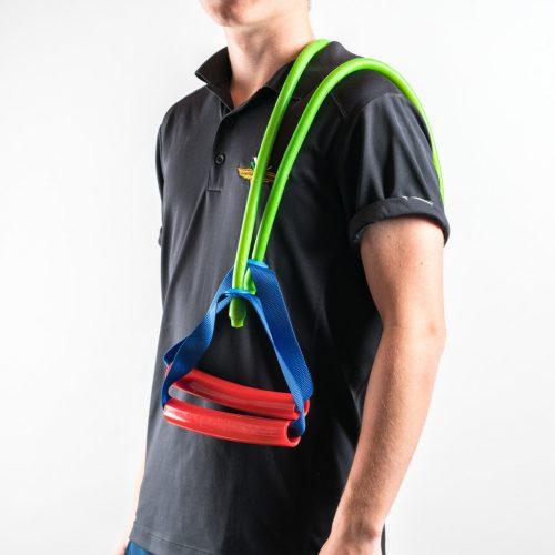 Spord Cord Fitnessseilzug über die linke Schulter hängend