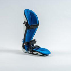 Sprunggelenkschiene mit blauem Polster und weissem Rahmen