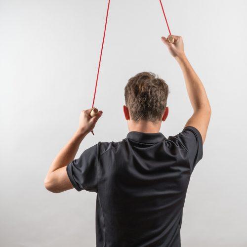 Rolifit Schultertrainer Basisversion im Einsatz während des Trainings